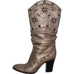 Le Silla Studded Silver Boots 38 found on MODAPINS from 1stDibs for USD $357.04