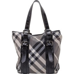 Burberry Lowry Check Tote And Wallet found on Bargain Bro India from 1stDibs for $683.00