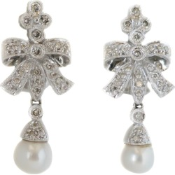1950s 0.80 Carat Total Diamond, Pearl And 14 Karat Gold Chandelier Earrings found on Bargain Bro Philippines from 1stDibs for $2800.00