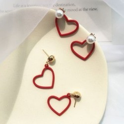 Faux Pearl Heart / Heart Dangle Earring found on Bargain Bro India from yes style for $4.66