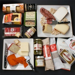 igourmet 19pc Charcuterie and Cheese Set