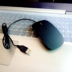 DOBACNER Notebook mute mouse wired photoelectric ultra-thin computer aggravated gaming mouse