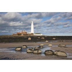 Posterazzi DPI1852505 Lighthouse Northumberland England Poster Print, 19 x 12