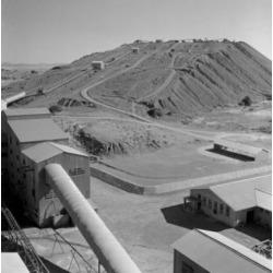 Posterazzi SAL255422089 South Africa Kimberley De Beers Diamond Mines Tailings Dump Poster Print - 18 x 24 in.