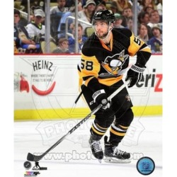 Posterazzi PFSAARN23401 Kris Letang 2014-15 Action Sports Photo - 8 x 10 in.
