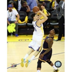 Posterazzi PFSAASA15201 Klay Thompson Game 2 of the 2015 NBA Finals Sports Photo - 8 x 10 in.