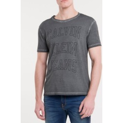 Camiseta Masculina Logo Double Cinza Calvin Klein Jeans - PP found on Bargain Bro from Calvin Klein BR for USD $51.76