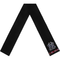 d3b37dba Gucci NY Yankees™ patch scarf - Black found on MODAPINS from FarFetch.com -