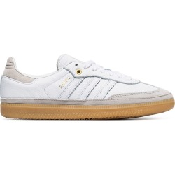 Adidas white Samba leather low top sneakers found on Bargain Bro UK from FarFetch.com- UK for $134.72