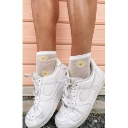 Eclat Dandy Socks White Daisy - ONE SIZE found on Bargain Bro India from beginning boutique for $9.31