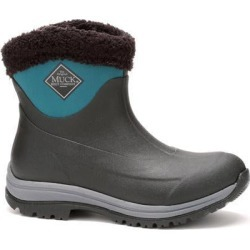 Women's Arctic Apres Slip On Boot in Black/Shaded Spruce | 5 | The Original Muck Boot Company