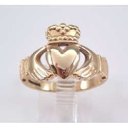 Vintage 9K Yellow Gold Claddagh Ring Heart Crown Size 8.5 Irish Wedding Band