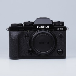 Fujifilm X-T3 Digital Cameras Black Body with XF 27mm F2.8 Black Lens