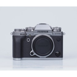 Fujifilm X-T3 Digital Cameras Silver Body with XF 27mm F2.8 Black Lens
