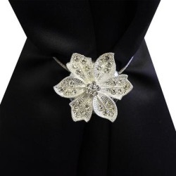 Diamond Star Flower Magnetic Holdback Set of 2 (Silver) found on Bargain Bro from Overstock for USD $15.93