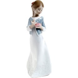 Nao Porcelain A Gift From The Heart Figurine found on Bargain Bro UK from H Samuel