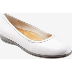 Women's Darcey Flat by Trotters in White (Size 7 1/2 M) found on Bargain Bro India from Woman Within for $99.99