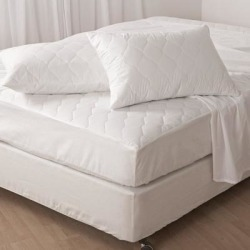 Maison Condelle- T230 Mattress Pad - White (Twin) found on Bargain Bro from Overstock for USD $26.59