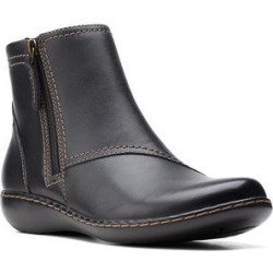 Clarks Women's Casual boots Black - Black Ashland Vista Leather Boot - Women found on Bargain Bro from zulily.com for USD $37.83