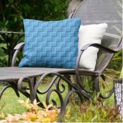 Rockport Color Contrast Basketweave Indoor/Outdoor Pillow by Havenside Home (18 x 18 - Blue & Teal - N/A)(Synthetic Fiber, Stripe) found on Bargain Bro Philippines from Overstock for $49.49