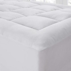 The Mega-Thick Mattress Pad Topper Pillow-Top (Full), White, Byourbed found on Bargain Bro from Overstock for USD $38.11