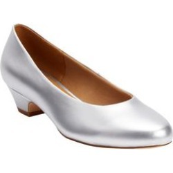 Extra Wide Width Women's The Vida Pump by Comfortview in Silver (Size 7 1/2 WW) found on Bargain Bro Philippines from Ellos for $66.99