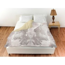 Oliver Gal 'My Wings Chie'Duvet Cover (Queen), White, The Oliver Gal Artist Co. found on Bargain Bro from Overstock for USD $113.35
