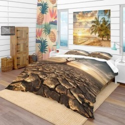 Designart 'Lonely Dead Tree in Cracked Land' Modern & Contemporary Bedding Set - Duvet Cover & Shams (King Cover + 2 king Shams (comforter not found on Bargain Bro India from Overstock for $130.49