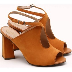 Sandália Nobuck Toffee - 34 found on Bargain Bro India from Dumond for $146.96