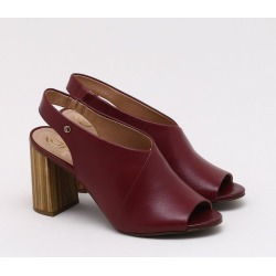 Sandália Couro Burgundy - 34 found on Bargain Bro India from Dumond for $73.46