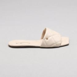 Chinelo Matelassê Vanilla found on Bargain Bro Philippines from Capodarte for $12250.00