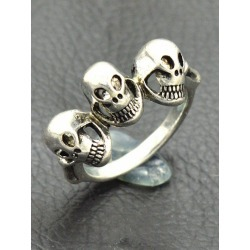 Punk Engraved Skulls Finger Ring