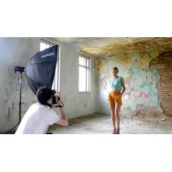 Fashion Photography - Working With Off Camera Lights