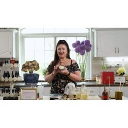 Learn How to Make Naturally Beautiful Skin Care Products