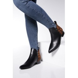 Black Leopard Print Zip Detail Ankle Boots found on Bargain Bro UK from Quiz Clothing
