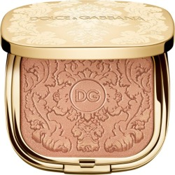 Dolce & Gabbana Baroque Lights Highlighting Powder found on Bargain Bro UK from harrods.com