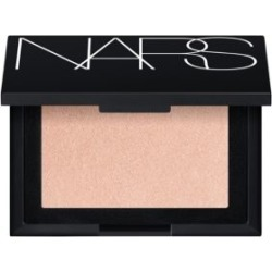 Highlighting Powder found on Makeup Collection from Saks Fifth Avenue UK for GBP 33.46