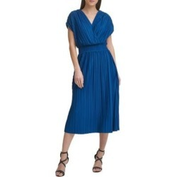 Robe midi froncée à taille smockée found on Bargain Bro Philippines from La Baie for $159.00