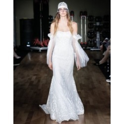 Robe fourreau Mary Lou found on Bargain Bro India from La Baie for $5250.00