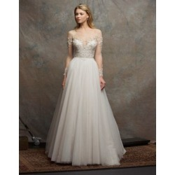 Robe en tulle scintillant et à perles Emery found on Bargain Bro Philippines from La Baie for $4150.00