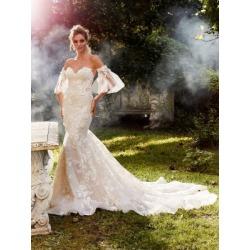 Robe de mariée sirène sans bretelles avec manches amovibles found on Bargain Bro from La Baie for USD $4,784.20