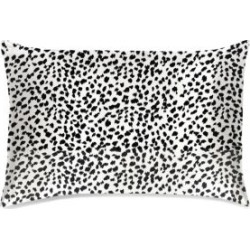 Leopard Pillowcase found on Bargain Bro India from Saks Fifth Avenue Canada for $87.09