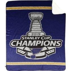 Jeté avec l'emblème des Blues de St-Louis, champions de la Coupe Stanley