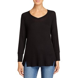 Kim & Cami Textured V-Neck Top