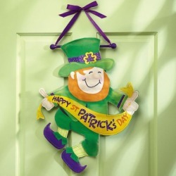 St Patrick's Day Door Decor found on Bargain Bro India from currentcatalog.com for $14.99