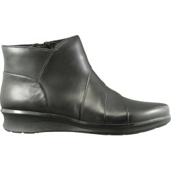 Clarks Women's Hope Rest Bootie in Black Leather, Size 9 Medium found on Bargain Bro Philippines from ts.townshoes.ca for $91.40