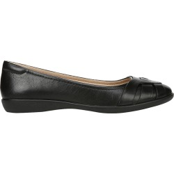 Naturalizer Women's Freeport Flat in Black, Size 8.5 Medium found on Bargain Bro India from ts.townshoes.ca for $64.34