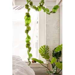 Monstera Vine Garland - Green at Urban Outfitters
