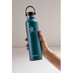 Hydro Flask Standard Mouth 24 oz Water Bottle - Green at Urban Outfitters