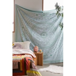 Bobbi Medallion Tapestry - Green at Urban Outfitters
